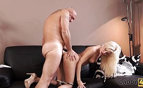 DADDYK Pretty blondehaired girl has the first old