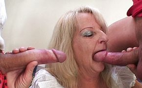 Hairy blonde granny double penetration fuck