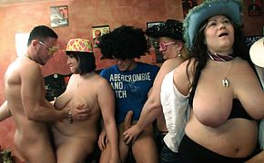 Huge tits chubby party in the bbw bar