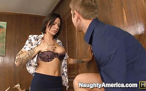 Office whore Juelz Ventura craves for lasting hot orgasm