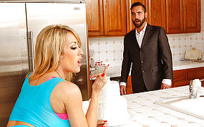 Capri Cavanni and Daniel Hunter in Naughty America