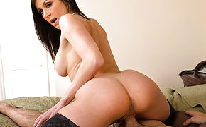 Kendra Lust and Logan Pierce in My Friends Hot Mom
